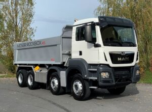 MAN TGS 35.500 8×4 BB mit Moser Rockbox RS